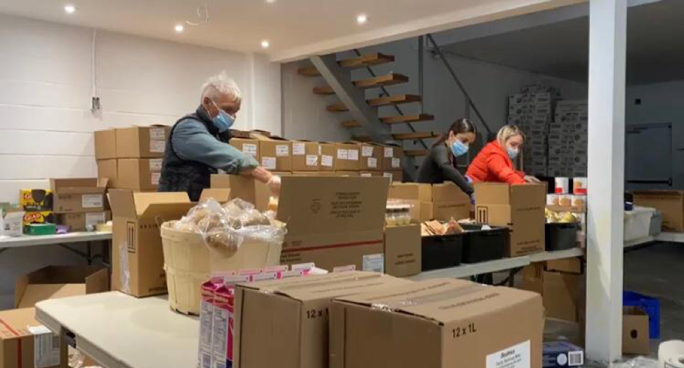 Operation Ramzieh packing food boxes